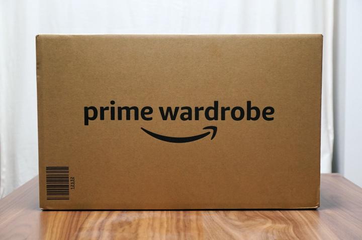 Amazonのprime wardrobe (プライムワードローブ)でニューバランスのスニーカーを注文・試着してみた